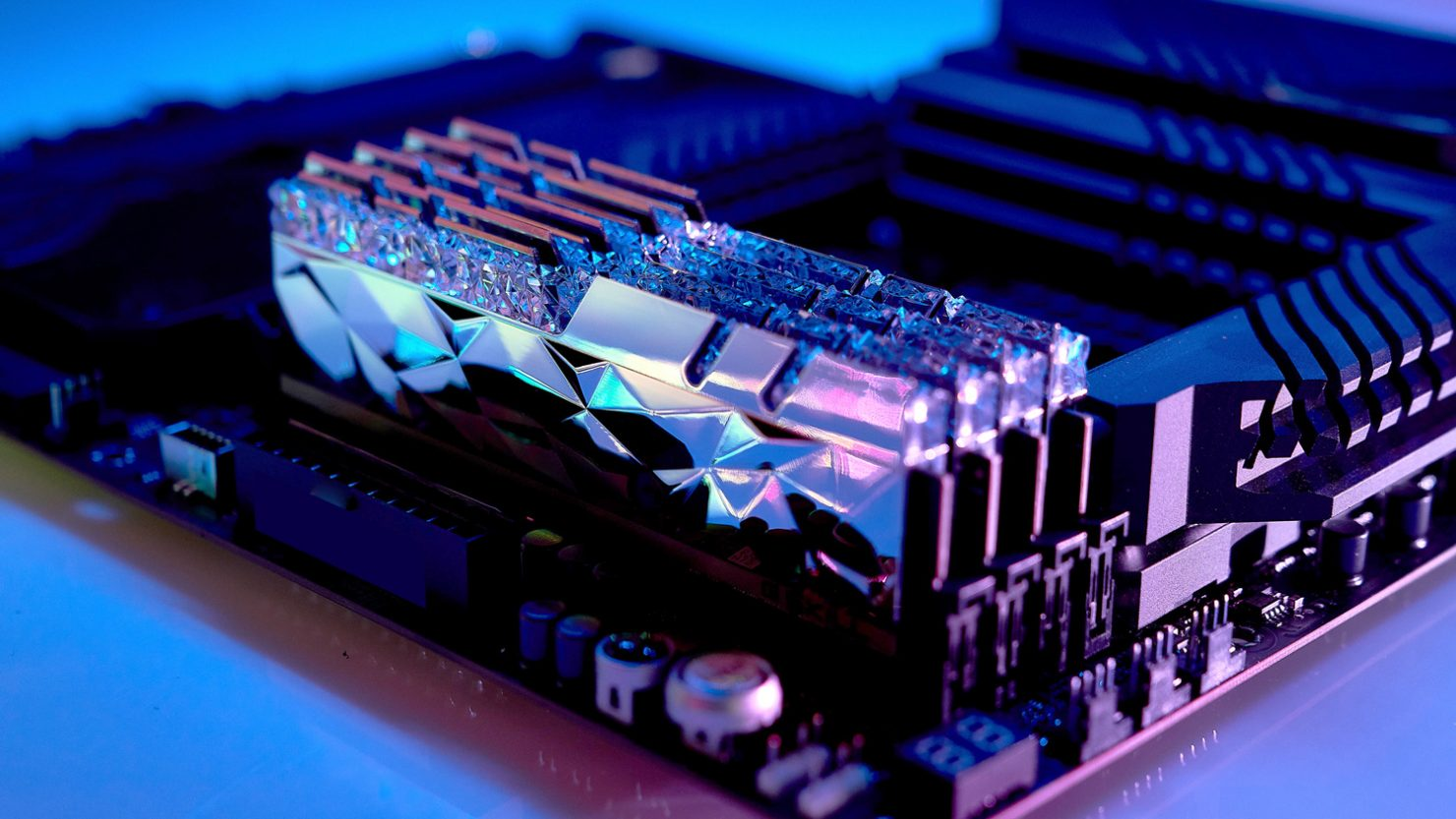 g.skill-intros-its-trident-z-royal-elite-series-ddr4-memory-with-gorgeous-new-design,-up-5333-mhz-frequencies