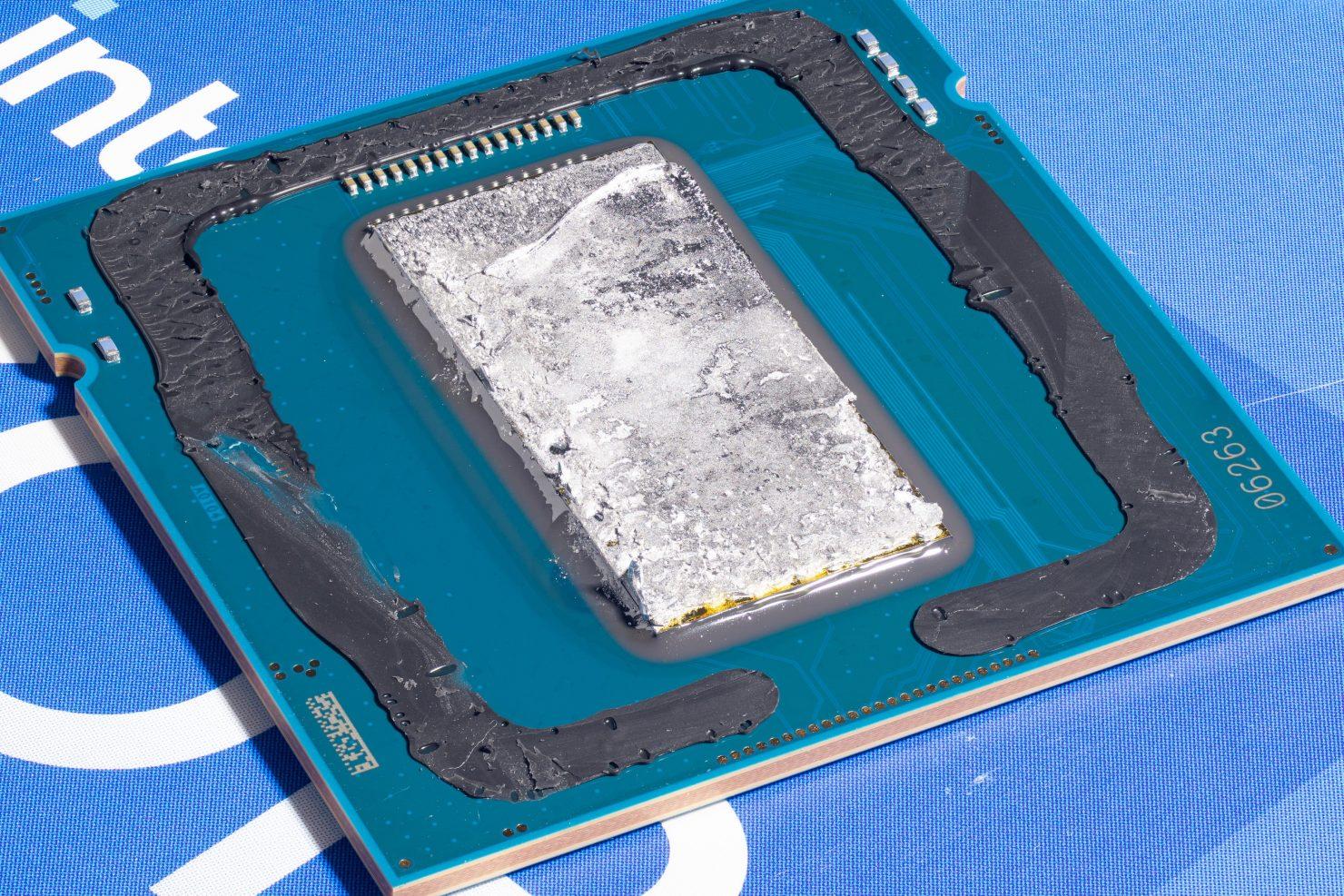 intel-rocket-lake-desktop-cpu-tested-while-delidded,-gets-super-high-res-die-shots