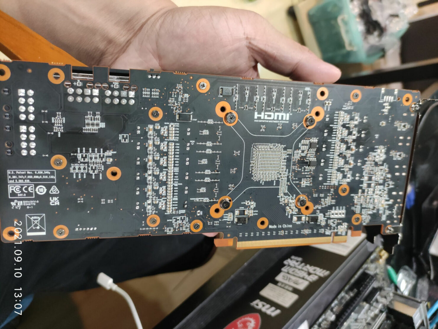 amd-mining-card-with-rdna-2-navi-22-gpu-spotted,-features-10-gb-gddr6-memory-with-39-mh/s